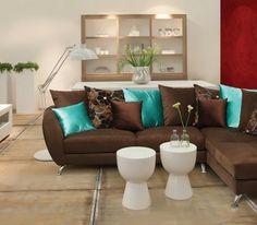 Sala decorada con marr n y turquesa dise o d interiores for Sala gris con turquesa