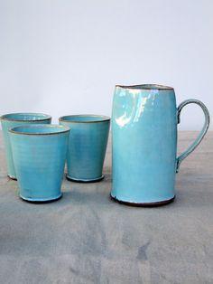 jarra turquesa, jarra de agua, jarra de cerámica, cerámica jarra de vino
