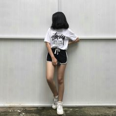 Lấy = Follow #Ẩn Swag Outfits, Retro Outfits, Stylish Outfits, Cute Outfits, Mode Ulzzang, Ulzzang Girl, Korean Aesthetic, Aesthetic Girl, Girl Photo Poses