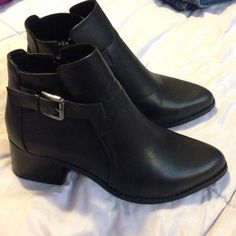 """Mia Faux Leather Black Ankle Boots Was worn once for a while. In great condition, just like new. All man-made material (faux leather). Brand is """"Mia"""". Size 8.5 M. Will ship ASAP.❤️ MIA Shoes Ankle Boots & Booties"""