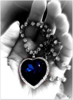 Heart Necklace from titanic look alike. Kashmir Sapphire and Diamond pendant with diamond necklace! Jewelry Box, Vintage Jewelry, Jewelry Accessories, Kashmir Sapphire, Ocean Heart, Color Splash, Heart Shapes, Heart Ring, Gemstones