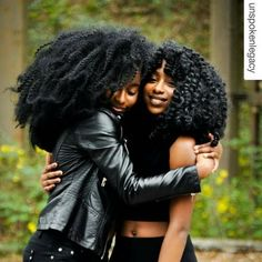 """naturalhairqueens: """" This picture is so cute! Reblog if you always show love to other natural sistahs! """""""