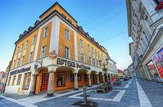 1、波蘭  整體來說,歐洲並不是一個便宜的地方,東歐除外。波蘭是歐洲遊最便宜的國家,一杯啤酒只需要1美元(HKD 8元),漢堡只需3美元(HKD 24元),一杯咖啡只需3.5美元(HKD 28)。