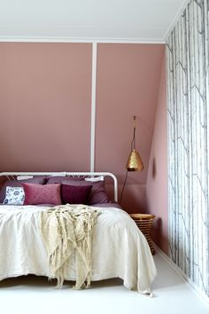 Dark Blush In The Bedroom, Rosewood By Painting The Past. Linen, Velvet,  Brass, Rotan And Woods Wallpaper By Coleu0026Son.