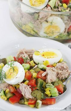 How to Make tuna salad appetizers including seasonal Easy Tuna Salad, Best Tuna Salad Recipe, Healthy Salad Recipes, Healthy Food, Appetizer Salads, Appetizers, Tuna Salad Calories, How To Make Tuna, Mediterranean Breakfast