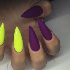 Why are stiletto nails so amazing? We have found the very Best Stiletto Nails for 2018 which you will find below. Having stiletto nails really makes you come off as creative and confident. You can be that fierce girl you always wanted to be! Neon Nails, Matte Nails, Glitter Nails, Purple Glitter, Stelleto Nails, Purple Art, Acrylic Nails, Blue Art, Coffin Nails