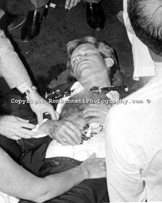 June 1968 ~ Bobby Clutching Rosary Beads Given To Him By BusBoy Juan Romero After Being Shot David Kennedy, Los Kennedy, Ethel Kennedy, Jackie Kennedy, Ambassador Hotel, 6 Images, The Way I Feel, Former President, Jfk