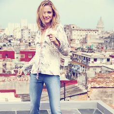 Let's hang out on a rooftop at 2 am and talk about life. #oddmolly #madeinlove #anotherdaylaceupblouse