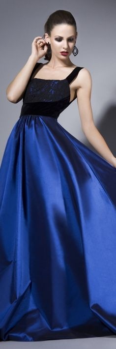 Bien savvy haunte couture jaglady my absolute dream dress. Elegant Dresses, Pretty Dresses, Blue Dresses, Moda Fashion, Blue Fashion, Style Fashion, Fashion Beauty, Beautiful Gowns, Beautiful Outfits
