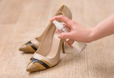 Remove Sweat Stains, Black Tea Bags, Deodorant Stains, Cool Fabric, Your Shoes, Peep Toe, High Heels, Tips, Life Hacks