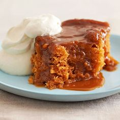 butterscotch pudding cake + other slow cooker desserts Slow Cooker Desserts, Crock Pot Desserts, Köstliche Desserts, Delicious Desserts, Dessert Recipes, Yummy Food, Dessert Healthy, Cooker Recipes, Pudding Recipes