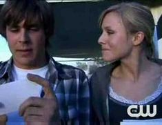 Kristen Bell & Chris Lowell Candid Video! SO FUNNY