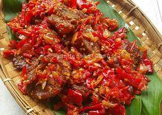 Dendeng balado basah Recipe by Xander's Kitchen - Cookpad Meat Recipes, Asian Recipes, Cooking Recipes, Healthy Recipes, Asian Cooking, Easy Cooking, Indonesian Cuisine, Indonesian Recipes, Malay Food