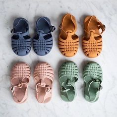 Stock up on your sindy sandals while you can. These gorgeous sandals are still f… – Baby Fashion – Baby Clothes Fashion Kids, Little Girl Fashion, Toddler Fashion, Korean Fashion, Fall Fashion, Mini Bebidas, Cute Babies, Baby Kids, Toddler Girls