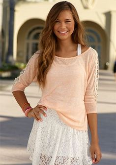 Perfect Girly Outfits To Look Stylish This Spring - Look Fashion, Teen Fashion, Fashion Beauty, Fashion Outfits, Fashion Trends, Runway Fashion, Fall Fashion, Looks Street Style, Looks Style