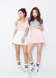 korean fashion - girl group - pop star - idol Eu e meu irmão Fashion Mode, Korea Fashion, Kpop Fashion, Kawaii Fashion, Asian Fashion, Cute Fashion, Girl Fashion, Fashion Outfits, Womens Fashion