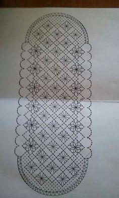 B Bobbin Lace Patterns, Weaving Patterns, Irish Crochet, Crochet Lace, Bobbin Lacemaking, Lace Bag, Crochet Curtains, Point Lace, Lace Jewelry