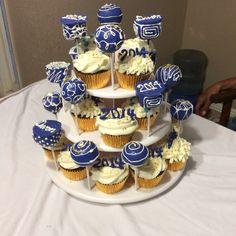 Graduation Cupcakes and Cakepops.