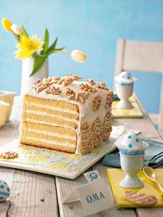 Eierlikör-Oster-Kuchen -  Feiner Eierlikörkuchen gefüllt mit Eierlikör-Sahne