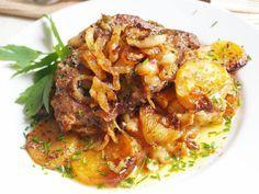 Chcete si pripraviť hlavné jedlo s prílohou naraz z jedného pekáčika? Vyskúšajte tieto recepty, ktoré vám uľahčia a skrátia prípravu. Na týchto obedoch si pochutí celá rodina. No Salt Recipes, Pork Recipes, Chicken Recipes, Cooking Recipes, Czech Recipes, Ethnic Recipes, European Dishes, What To Cook, Food Porn