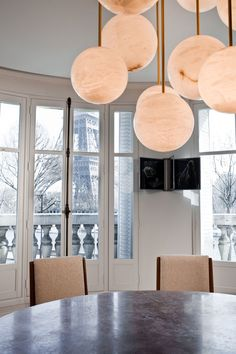 And the Francophilia continues. Today we are going back to Paris to a truly unique apartment by the talented Isabelle Stanislas and Leiko Oshima of the French design firm SO-AN... Photo by Claude Weber courtesy of SO-AN.