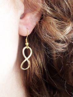 Boucles d'oreilles amour infini dorées. Boucles d'oreilles sobres. Boucles…