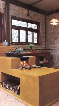 A saúde e vida de uma casa está na cozinha. The health and life of a home is in the kitchen. Cozy Kitchen, Rustic Kitchen, Kitchen Decor, Outdoor Kitchen Design, Design Case, Traditional House, Kitchen Interior, Home Kitchens, House Plans