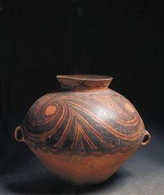 China, Yangshao culture, ceramic amphora / photoPrehistory / China / Neolithic. Yangshao culture. A ceramic amphora from Gansu.