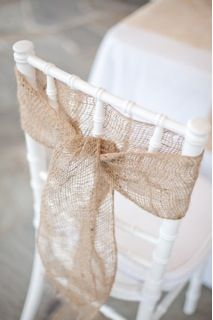 super easy + super cheap = super great wedding decorating idea Really cute fro beach theme.  Add a starfish, shell or anchor and it'll be fabulous