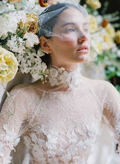 Dreamy yet moody bridal inspiration in rust and emerald via Magnolia Rouge Bridal Photography, Wedding Photography Inspiration, Wedding Inspiration, Wedding Ideas, Bridal Makeup Looks, Bridal Looks, Wedding Dress Trends, Wedding Dress Styles, Elegant Bride