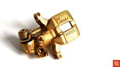 #Okutan102 #Honda Voici l'étrier remonté, prêt à l'envoi… --- Here is the caliper reassembled, ready to ship…