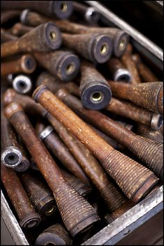 Box Of Old Wooden Bobbins.I have a collection of old bobbins Brooklyn Tweed, Wooden Spools, Sewing Notions, Sewing Box, Sewing Tools, Vintage Love, Earth Tones, Vintage Sewing, Favorite Color