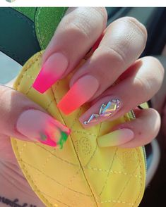 Want some ideas for wedding nail polish designs? This article is a collection of our favorite nail polish designs for your special day. Perfect Nails, Gorgeous Nails, Cute Nails, Pretty Nails, Smart Nails, Acrylic Nails, Gel Nails, Wedding Nail Polish, Nagel Gel