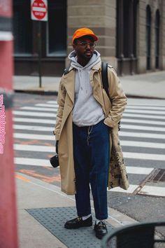 Fashion Week in Paris: These are best street styles of the bes .- Fashion Week in Paris: Das sind besten Street-Styles der Besucher(innen) Men's Fashion: The Best Street Styles of Men's Fashion Weeks 2018 – Vogue. Fashion Week Paris, Fashion Week Hommes, Seoul Fashion, Estilo Fashion, Mens Fashion Week, Fashion Weeks, New York Fashion, Look Fashion, Teen Boy Fashion