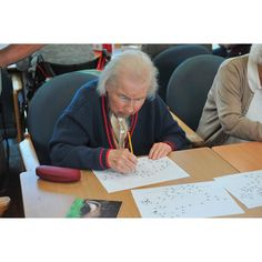Adult Dot to Dot - Pets  - Winslow® - Resources for Education, Health & Social Care