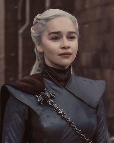 Will you break the wheel with me? Got Game Of Thrones, Game Of Thrones Funny, Deanerys Targaryen, Emilia Clarke Daenerys Targaryen, The Last Kingdom, Iron Throne, Fantasy Movies, Mother Of Dragons, Valar Morghulis
