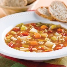 Soupe aux légumes et à l'orge Slow Cooker Recipes, Soup Recipes, Healthy Recipes, Kneading Dough, Canadian Food, Soups And Stews, Entrees, Healthy Eating, Healthy Food