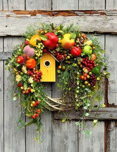 ⚜️Ana Rosa⚜️ - Lilly is Love Autumn Wreaths, Christmas Wreaths, Christmas Decorations, Wreaths And Garlands, Door Wreaths, Wreath Crafts, Diy Wreath, Country Wreaths, Summer Wreath