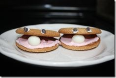 Clam Cookies:  Preschool children would love to make and eat these clam cookies.  Children making foods independently is a DAP.