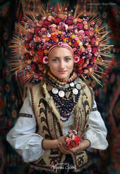 The vinok: traditional floral headdress worn by Ukrainian girls and young, unmarried women: MostBeautiful Costume Ethnique, Floral Headdress, Bridal Headdress, Folk Costume, Ethnic Fashion, Kids Fashion, Womens Fashion, World Cultures, Traditional Dresses