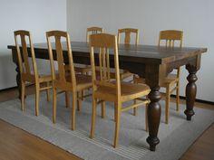 Sorvattujalkainen ruskea ruokapöytä