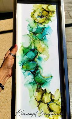 """Cadre, dessin abstrait à l'encre """"Greenlife"""" vert et holographique Alcohol Ink Painting, Alcohol Ink Art, Abstract Watercolor Art, Creations, Canvas Art, Diy Projects, Drawings, Illustration, Stage"""