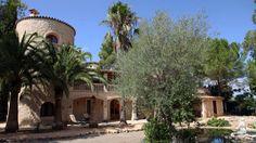 Mallorca-Als sprichwörtlich liebste Insel der Deutschen ist Mallorca insbesondere für seine Strände bekannt. Deutlich dünner besiedelt ist das Landesinnere. Das Landhotel Can Davero liegt in Binissalem, ist von Weinreben umgeben und ein schöner Fleck Erde, um den vollen Glanz der Perseiden mitzuerleben.