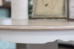 Your Kitchen Tabletop is one of the hardest working areas in your home. Getting a Weathered Wood is a popular finish, but you need a way for it to hold up. White Washed Bedroom Furniture, Distressed Furniture Painting, White Painted Furniture, Refinishing Kitchen Tables, Painted Kitchen Tables, Furniture Refinishing, Refurbished Furniture, Paint Furniture, Upcycled Furniture
