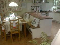 ideas de decoración, banco para la cocina, isla con banco. ikea