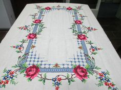 Vintage cross stitched table cloth - Beautiful