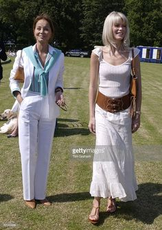 Model Claudia Schiffer With Isabel Preysler (check Identity) , The Mother Of Enrique Iglesias At The Porcelanosa Challenge Cup Polo Match At Ashe Park To Raise Funds For Local Youth Charities. Boho Fashion Over 40, Polo Match, Princesa Diana, Claudia Schiffer, Summer Outfits Women, Fashion Outfits, Womens Fashion, Beautiful Actresses, Challenge Cup