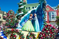 """Great photos of the Festival of Fantasy - """"In the Parks with Morgan"""" from blog.touringplans.com"""