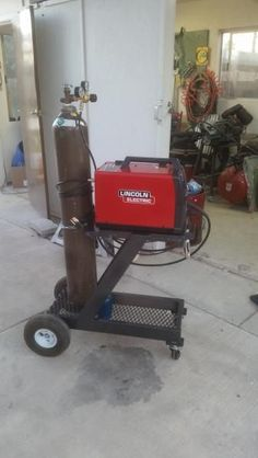 The Welding Cart Thread. - WeldingWeb™ - Welding forum for pros and enthusiasts Welding Cart, Welding Jobs, Welding Table, Diy Welding, Mig Welder Cart, Metal Projects, Welding Projects, Projects To Try, Welding Ideas