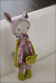 Crochet shabby bunny - so cute Crochet Amigurumi, Crochet Bunny, Love Crochet, Learn To Crochet, Crochet For Kids, Crochet Dolls, Knit Crochet, Fabric Toys, Felt Fabric